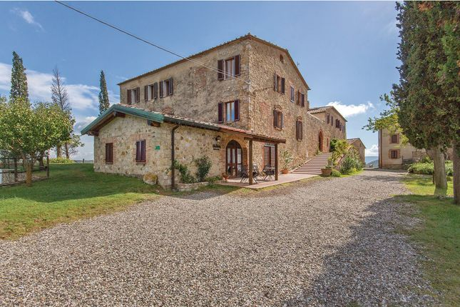 Thumbnail Farmhouse for sale in 53015 Monticiano Si, Italy