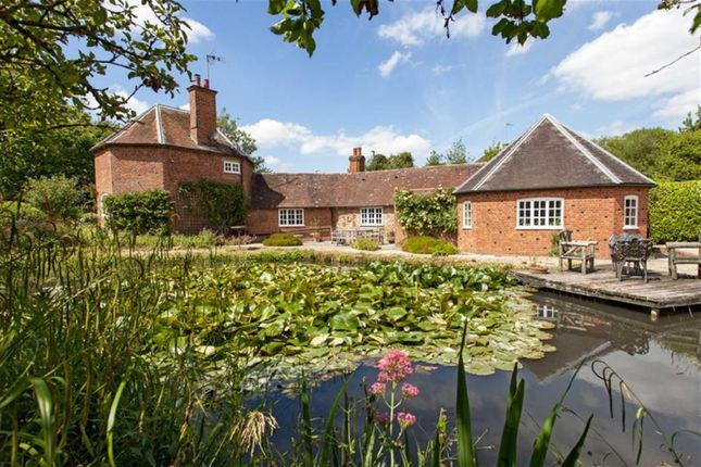 Thumbnail Detached house for sale in Ickleton Road, Wantage, Oxon