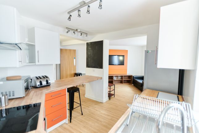Thumbnail Shared accommodation to rent in Boundary Lodge, Boundary Lane, Hulme, Manchester