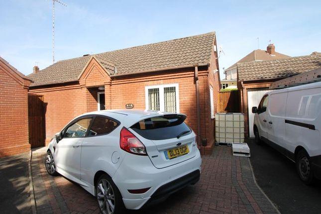 2 bed bungalow to rent in Waterways Gardens, Wordsley, Stourbridge DY8