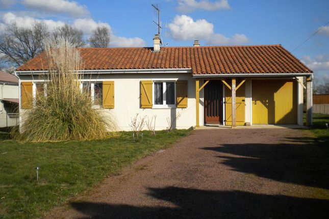 3 bed property for sale in Poitou-Charentes, Vienne, Availles-Limouzine