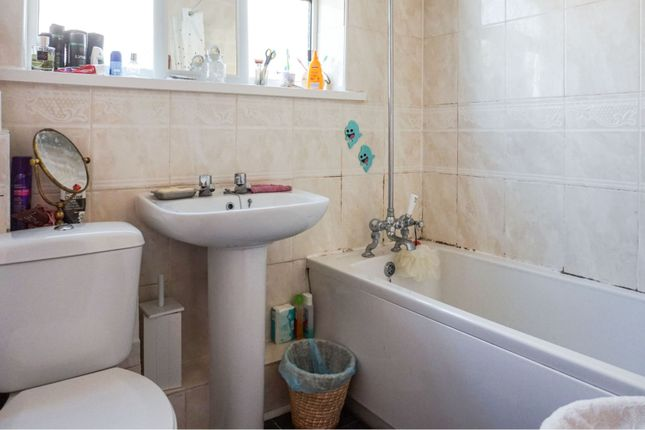Bathroom of Grange Road, Leyland PR25