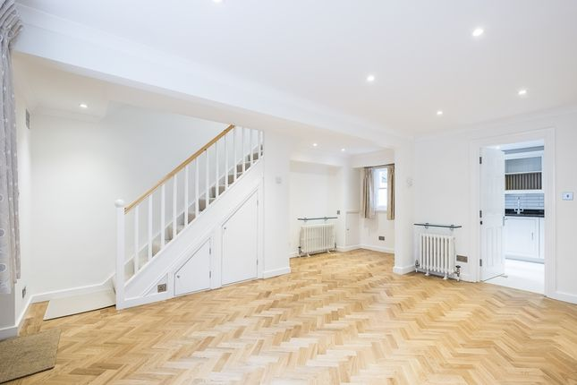 Thumbnail Mews house to rent in Moreton Terrace Mews South, London