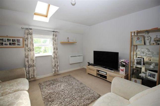 Living Room of Broadlands Place, Pudsey LS28