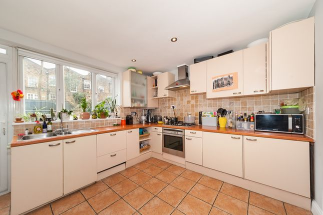 Thumbnail Terraced house to rent in Bride Street, London