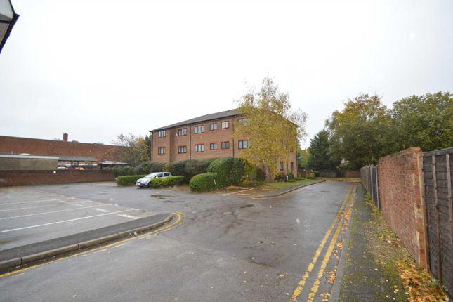 High Street, Addlestone KT15