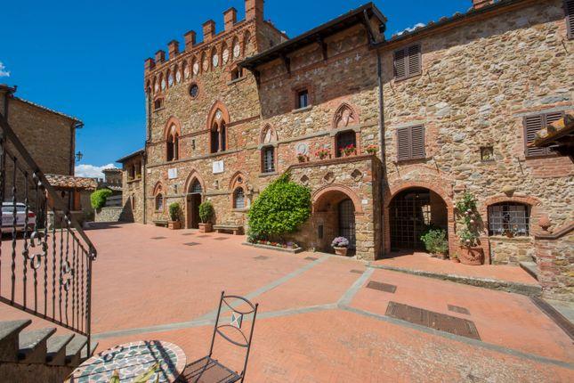 11 bed villa for sale in Siena, Castelnuovo Berardenga, Siena, Tuscany, Italy