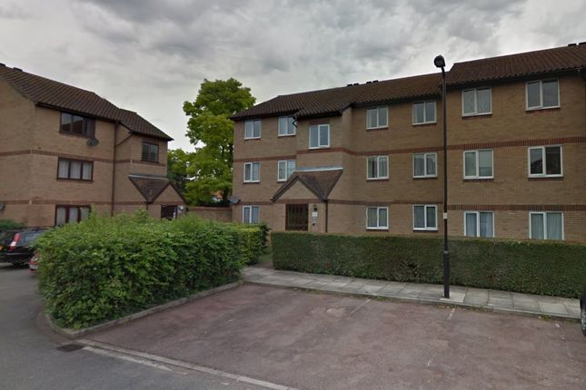 Thumbnail Flat to rent in Harewood Terrace, Norwood Green