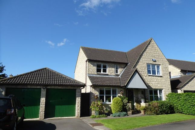 Thumbnail Detached house for sale in Swansfield, Bicester