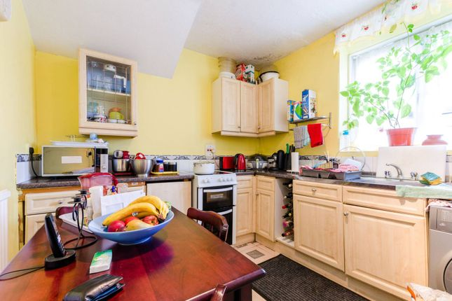 3 bed flat for sale in Tilson Gardens, Clapham Park