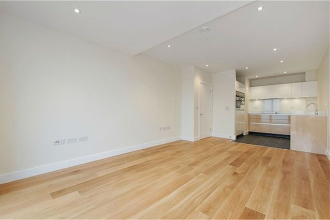 Thumbnail Flat to rent in Peartree Way, London