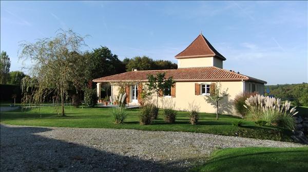 Thumbnail Villa for sale in Vanxains, Dordogne, Aquitaine, France