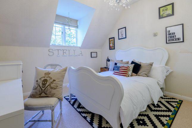 Bedroom of Twyford Road, Binfield, Berkshire RG42