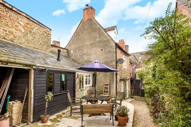 2 bed end terrace house for sale in Ferndale Street, Faringdon