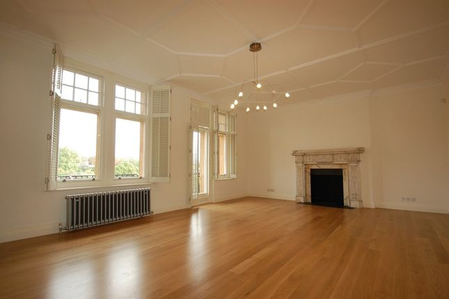 Thumbnail Property to rent in Oakwood Court, Holland Park, London