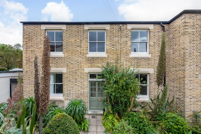 Thumbnail Flat for sale in Herschell Mews, London