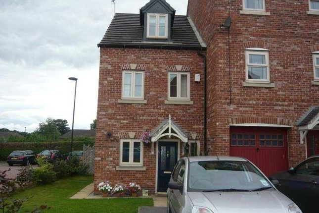 3 bed terraced house to rent in Lowedges Close, Lowedges, Sheffield