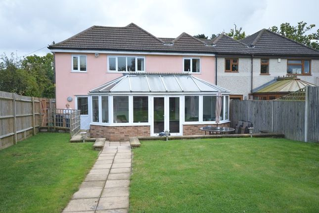 Thumbnail Semi-detached house to rent in Manor Way, Coleshill, Amersham
