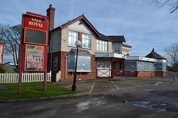 Thumbnail Leisure/hospitality to let in Vale Royal Hotel, 360 Gathurst Road, Wigan, Lancashire
