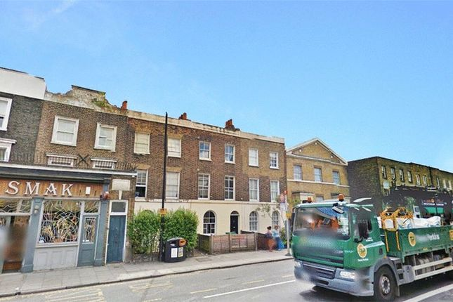 Thumbnail Terraced house to rent in Balls Pond Road, London
