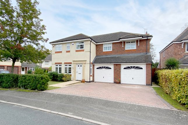 Thumbnail Detached house for sale in Kenilworth Close, Balsall Common, Coventry