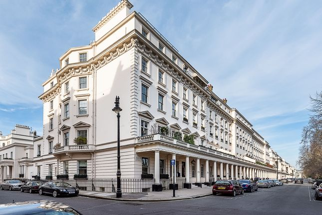 Thumbnail Triplex to rent in Eaton Square, London