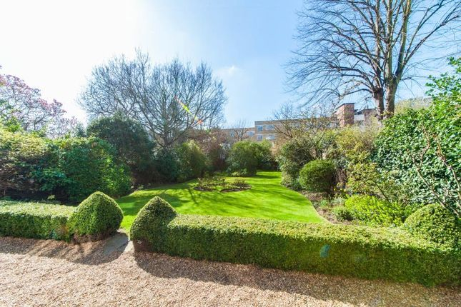 2 bed flat for rent hamilton terrace st johns wood nw8 for 21 hamilton terrace