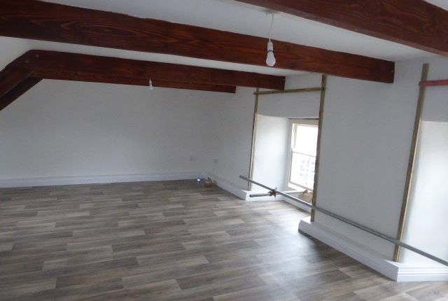 Thumbnail Flat to rent in Bank Row, Dew Street, Haverfordwest