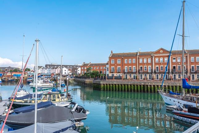 Thumbnail Terraced house for sale in Captains Row, Portsmouth