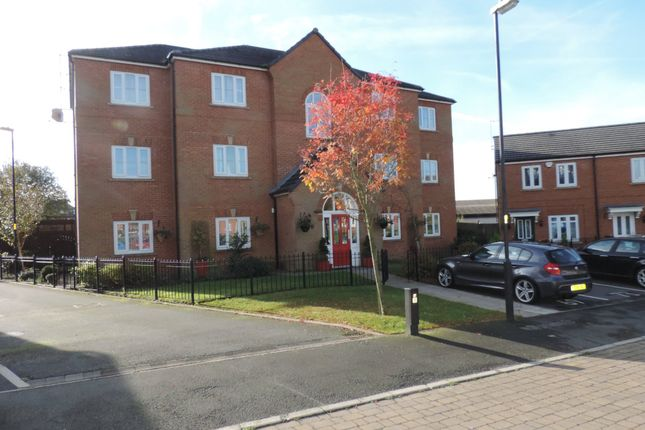 Thumbnail Flat to rent in Rosebay Close, Royton, Oldham