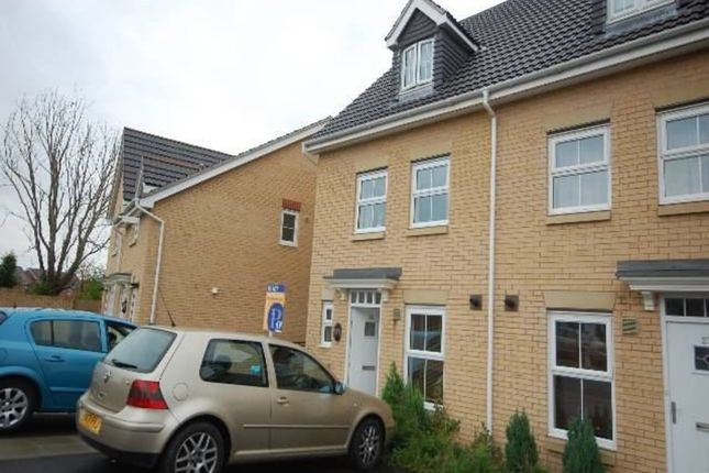 3 bed town house to rent in Willowbrook Gardens, St. Mellons, Cardiff