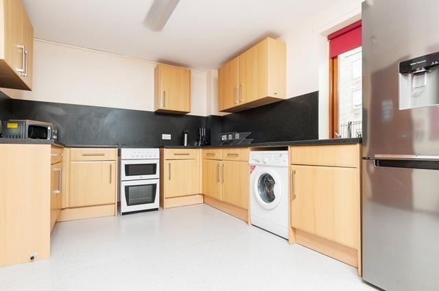 Thumbnail Flat to rent in West Bryson Road, Edinburgh EH11,