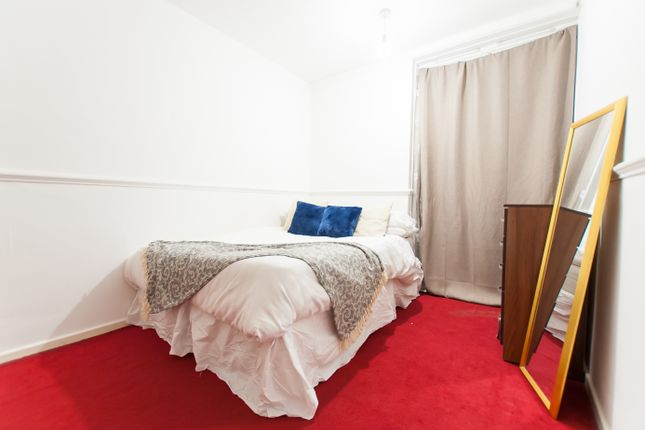Room Available of Church Street, Marylebone, Central London NW8