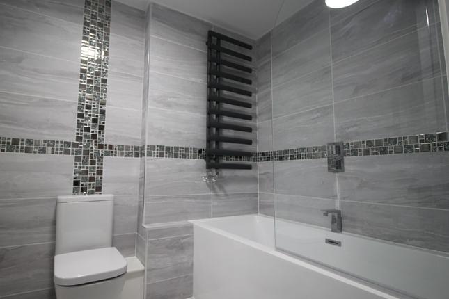 2 bed flat to rent in Abbey Fields, Bedford MK42