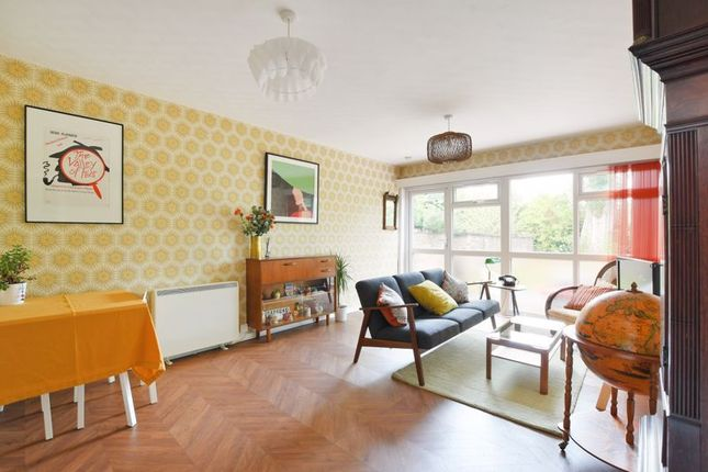 2 bed flat for sale in Psalter Lane, Brincliffe, Sheffield S11
