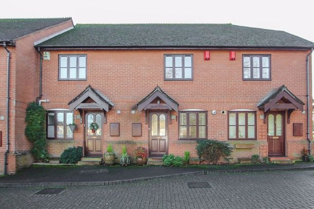 2 bed mews house for sale in Foley Mews, Claygate, Esher KT10