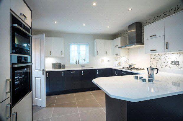 Thumbnail Country house for sale in Kings Lea, Cottam, Preston, Lancashire
