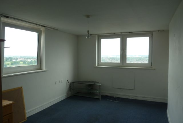 Thumbnail Flat for sale in Progress Way, Wood Green