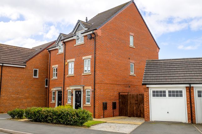 4 bed semi-detached house to rent in Gibraltar Close, Coventry CV3