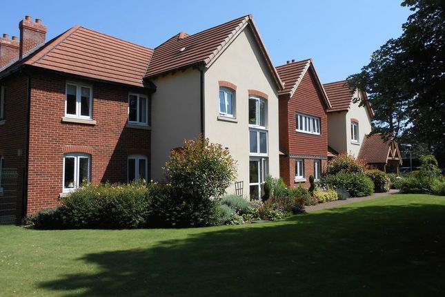 Thumbnail Property for sale in Charter Court, Retford