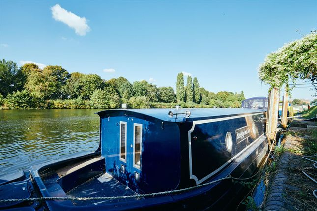 1 bed flat for sale in Thames Ditton Marina, Surbiton KT6
