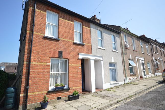 2 bed terraced house to rent in Clarendon Road, Gravesend DA12