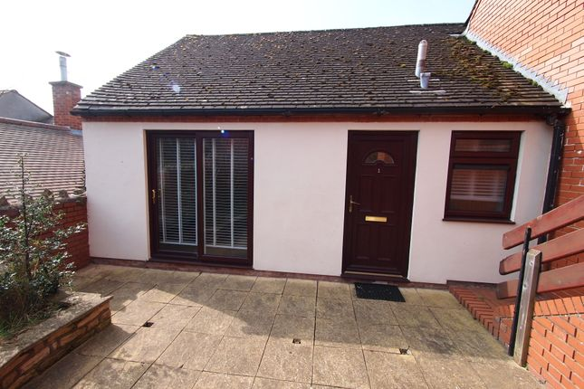 Thumbnail Shared accommodation to rent in Garden Court, Ledbury