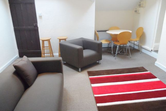 Thumbnail Flat to rent in Hall Street, Carmarthen