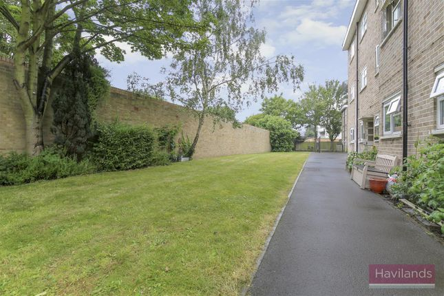 Thumbnail Property for sale in Baker Street, Enfield