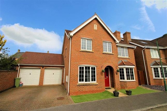 Thumbnail Detached house to rent in Tiverton Crescent, Kingsmead, Milton Keynes
