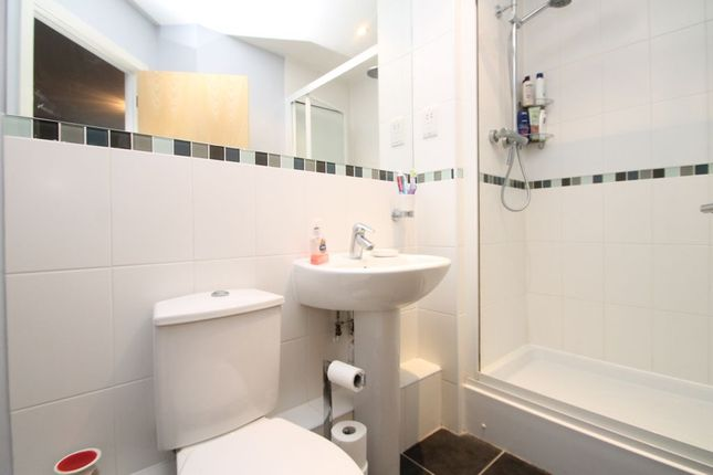 Ensuite To Bed 1 of Carmichael Avenue, Greenhithe DA9