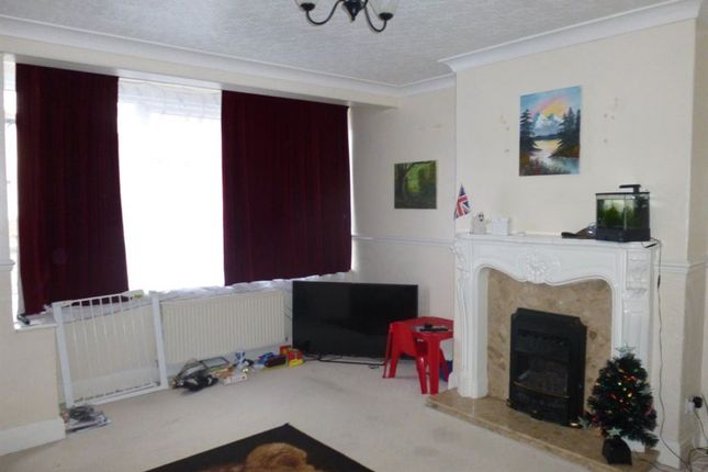 Thumbnail Semi-detached house to rent in Harrowden Road, Doncaster