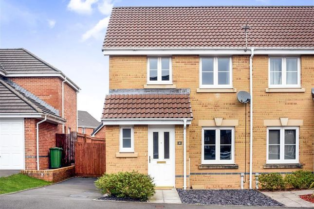 Thumbnail Property to rent in Ynys Bery Close, Caerphilly