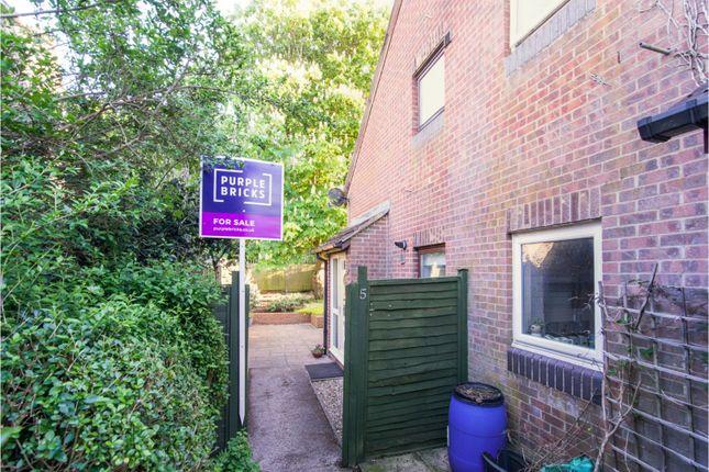 Robertson Close, Newbury RG14
